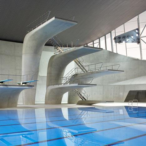 Una piscina solitaria...