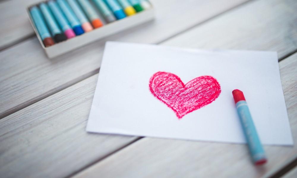Karolina Grabowska_Heart With A Red Oil Pastel_akFnQQ
