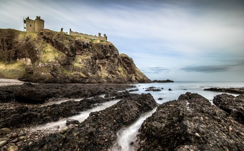 Giuseppe Milo_Dunnottar Castle From The Beach_a01mRg